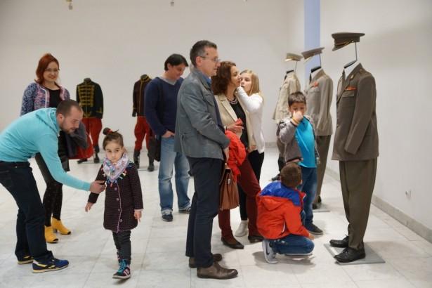 Narodni muzej Kraljevo - Otvaranje izložbe Rat i mir - Uniforme, foto Narodni muzej Kraljevo