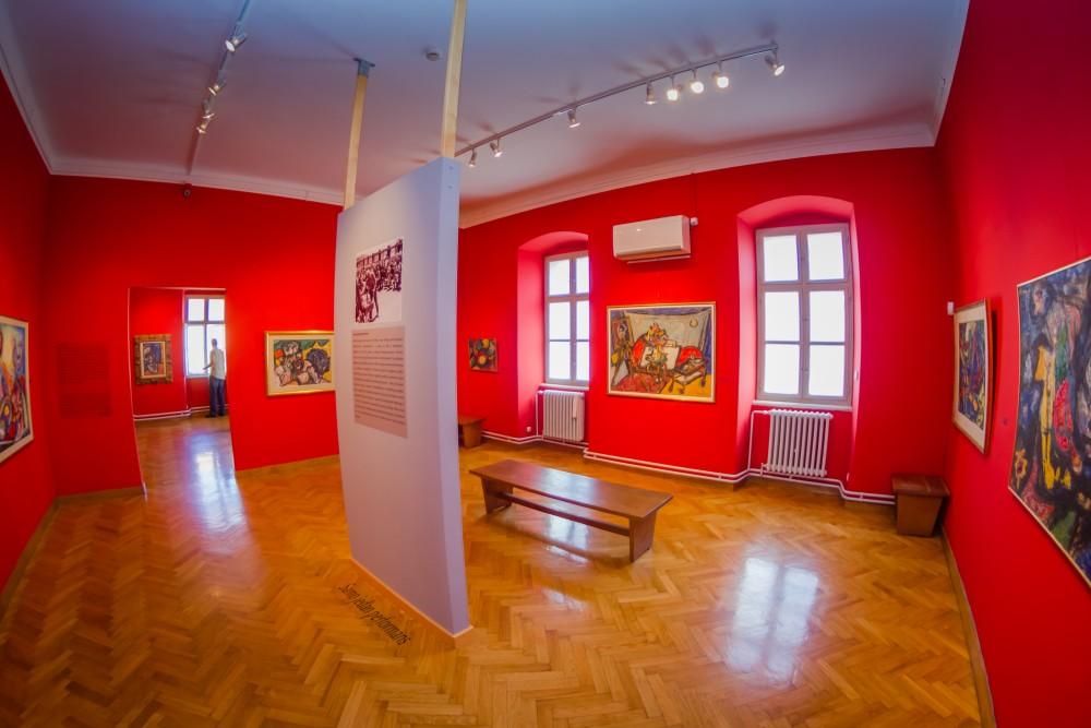 """Galerija """"Milan Konjović"""" - unutrašnjost i izložbeni prostor"""