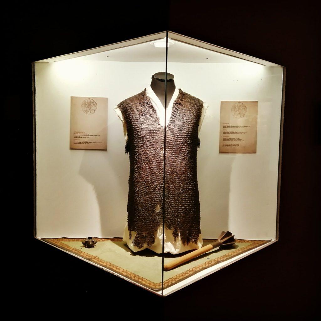 verizana-kosulja-14-vek-narodni-muzej-nis-istorijski-muzej-srbije