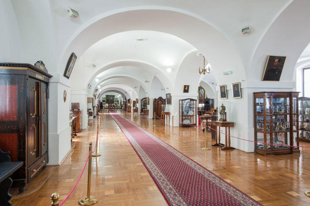 """Izložba muzeja grada Novi Sad """"Građanski život u Novom Sadu"""""""