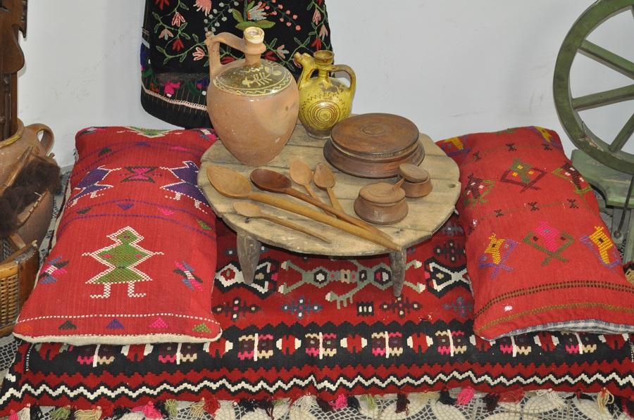 """Dečija sofra, stalna postavka, Narodni muzej Toplice, Manifestacija """"Muzeji za 10"""", 2021. godine"""