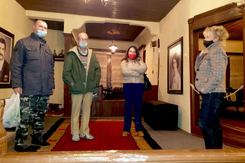 Vođenje kroz izložbu u Gradskoj kući koja je deo Narodnog muzeja u Leskovcu
