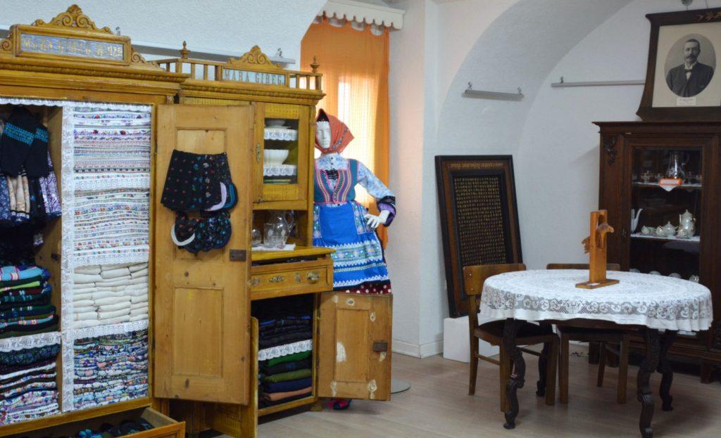 Deo nameštaja porodice Šević i pazovački kutak u Zavičajnom muzeju Ruma - Manifestacija Muzeji za 10